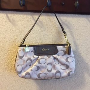 Coach (F48193) khaki/gold large wristlet
